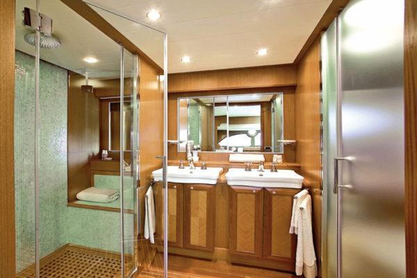 D64Masterbathroom