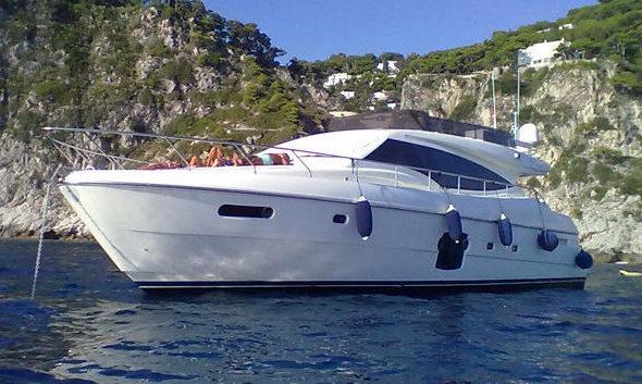 VIVA-Ferretti-592-scheda1
