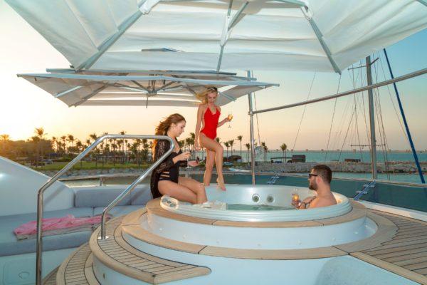 Motor Yacht Sensation Outer (5)