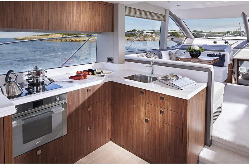 sunseeker52_galley